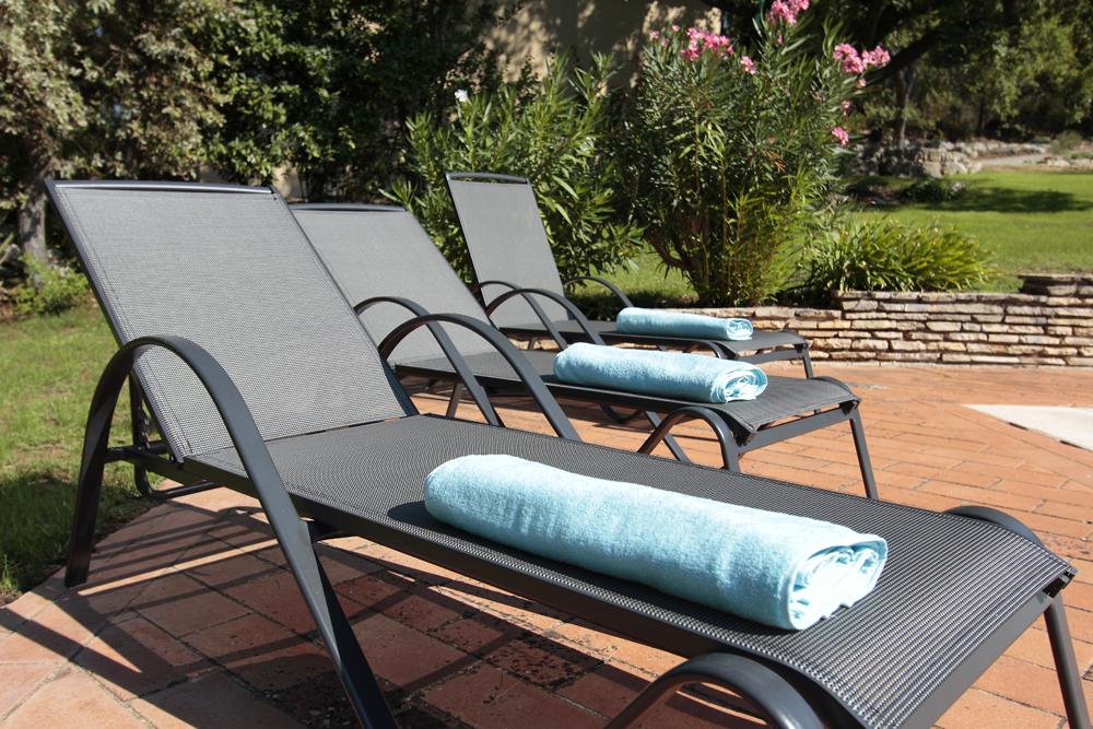Transat terrasse piscine 2.jpg