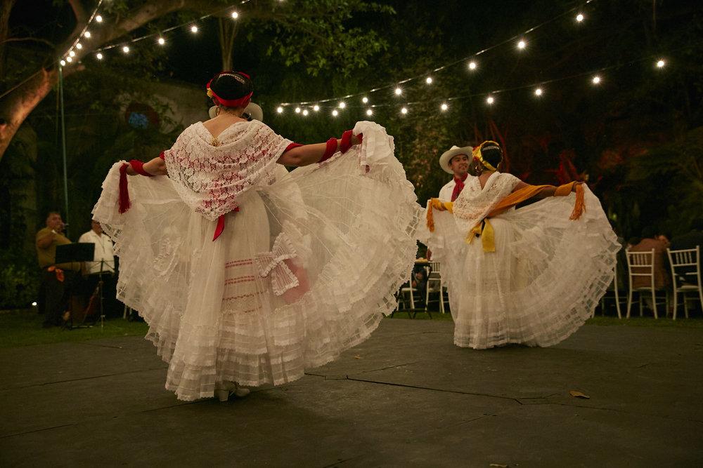 LJL_GabbyandIVan_Mexico_098.jpg
