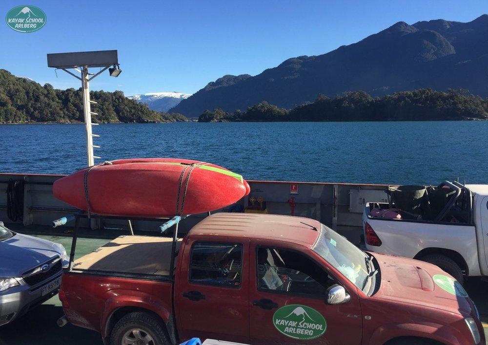 Kayak-Chile-Patagonia-06.jpg