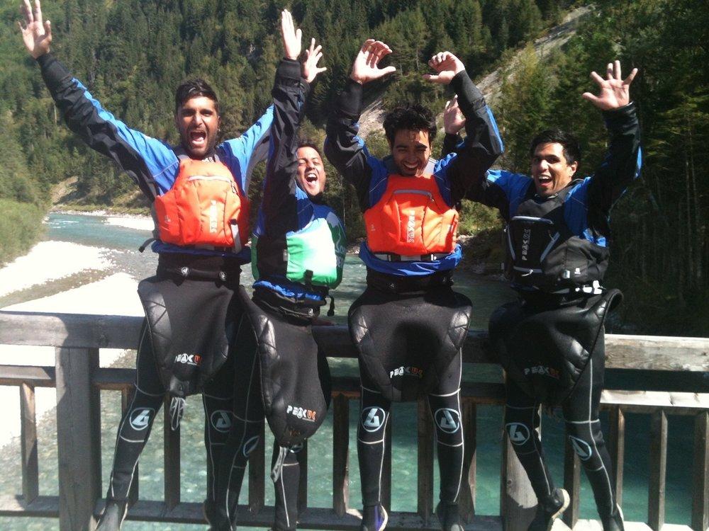 Group-Kayaking-Courses-for-Beginners.jpg