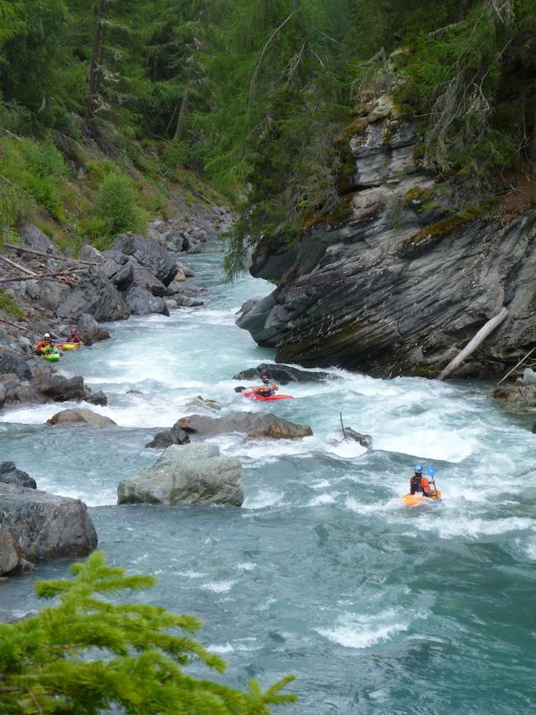 Class-4-Kayaking-Courses.jpg