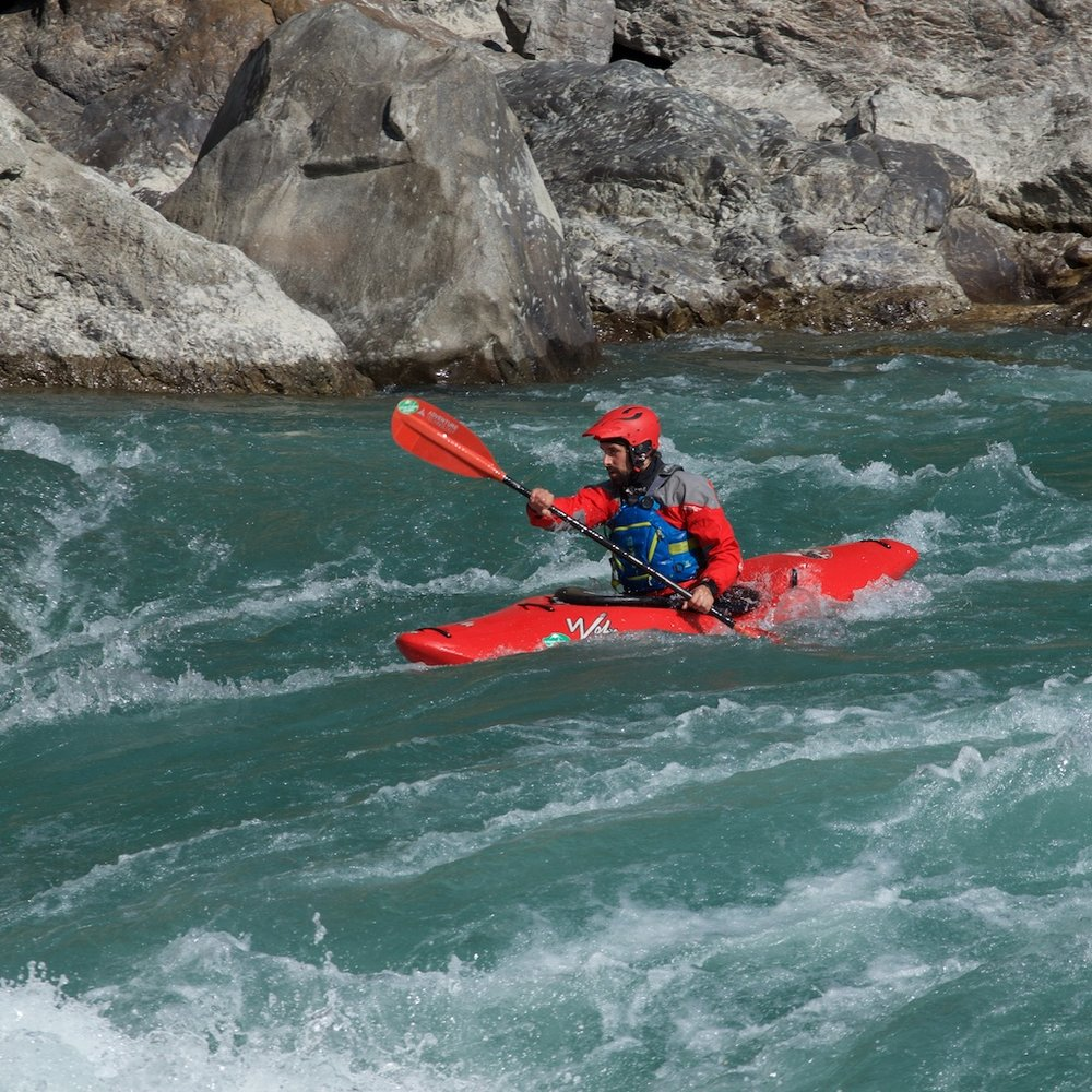 Kayaking-Alaknanda-River.jpg