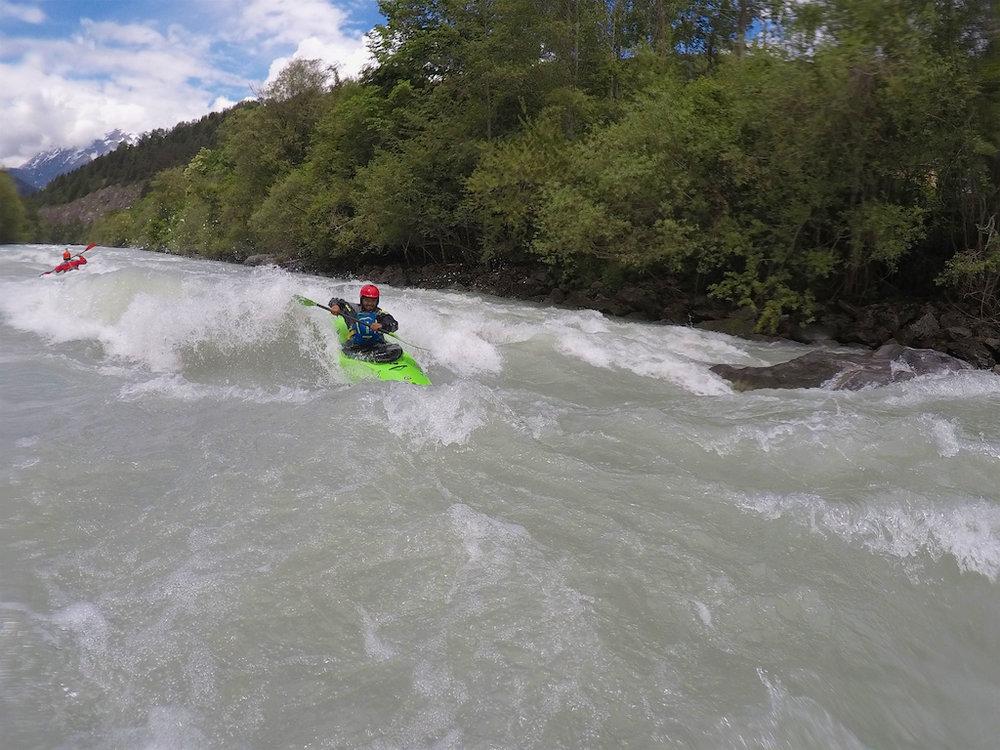 Kayak-Surfing-Austria.jpg