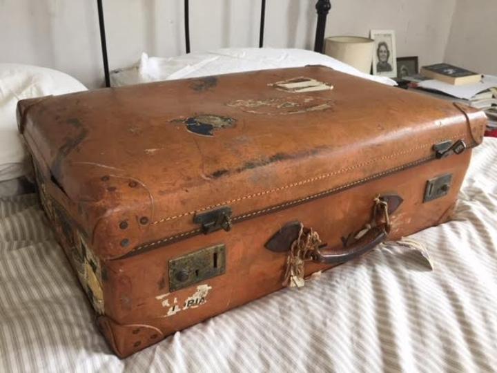 Elisabeth's suitcase