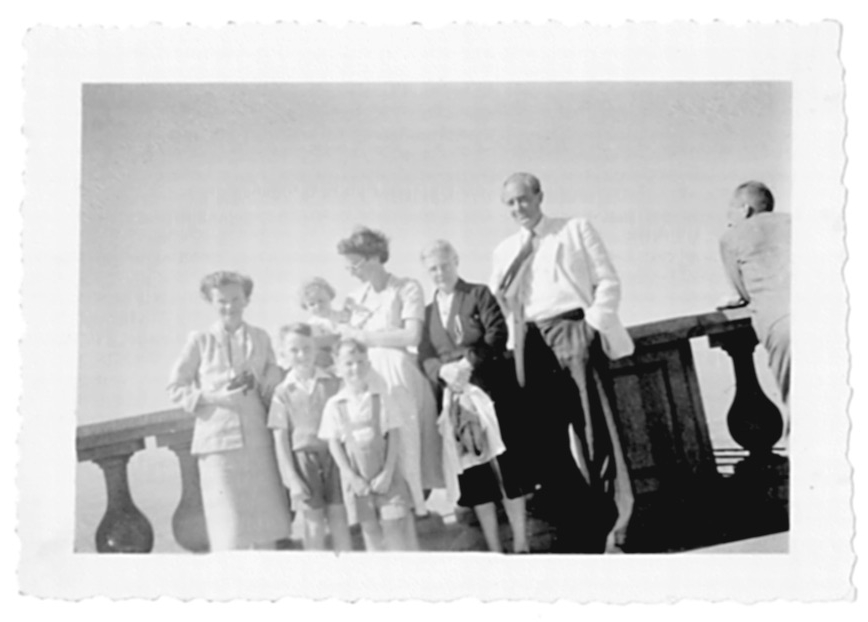 Left to right; Alethea (Elisabeth's sister), Samuel, Helen, Charles, Elisabeth, Nanny and Gerry (Mum's father)