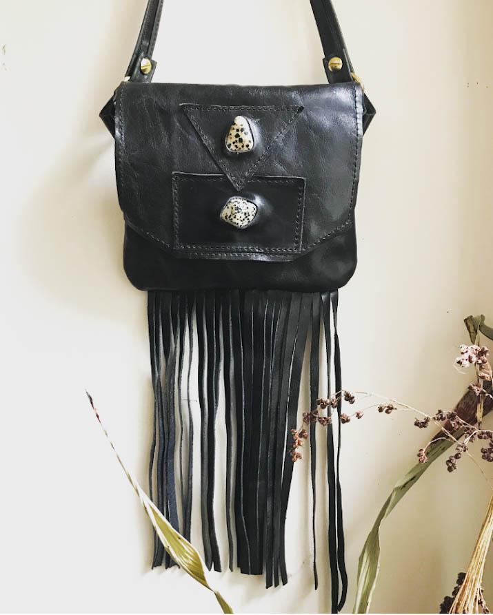 fannypack black insta.jpg