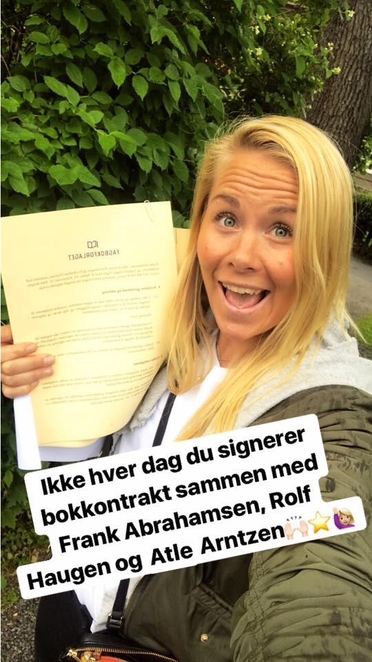 16. juni i år signerte vi kontrakten med Fagbokforlaget.