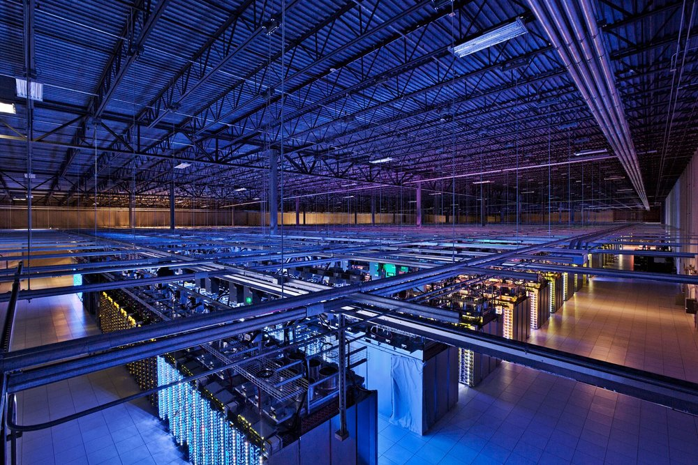 A server room in Council Bluffs, Iowa.  Photo: Google/Connie Zhou