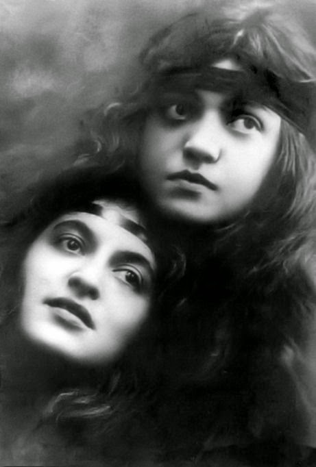 Rosa Ponselle (r) along with her sister Carmella on the occasion that they sang together at the 1934 wedding of Supreme Court Justice Salvatore A. Cotill's daughter Helen to Carlo Paterno. The ceremony took place at 'The Castle,' the Cotillo mansion overlooking the Hudson River in Westchester County. Years later, Justice Cotillo performed the marriage ceremony of Ms. Ponselle and Carle Jackson.
