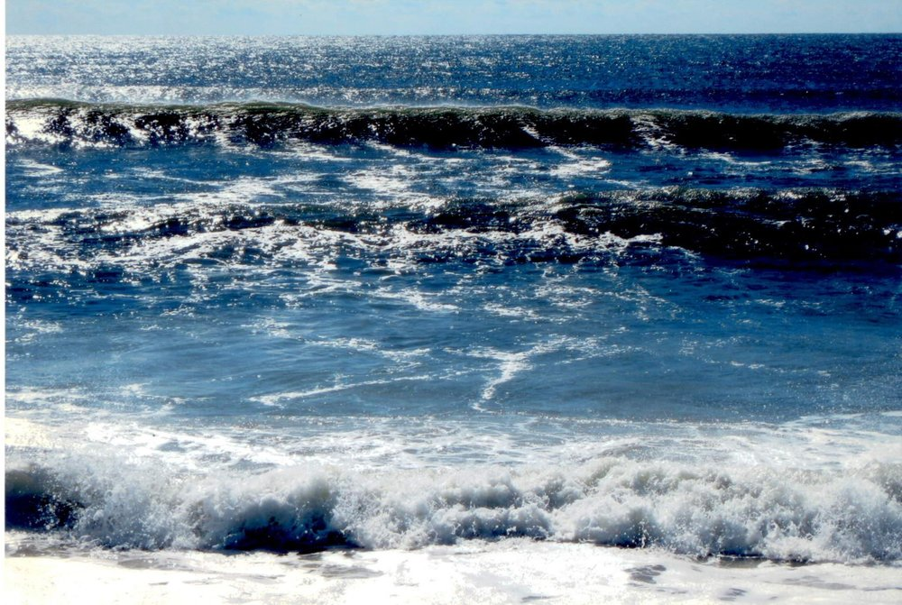 In this photo there are spirits called orecchiette, they are very poisonous in the waters of the sea. They are evil spirits that attack the body especially in the ears and in the nose. All these demon spirits are destroyed. This year is different because people can go to the beach, without being afraid of spirits. Thank you, GOD UNIVERSE for the purification of the sea.