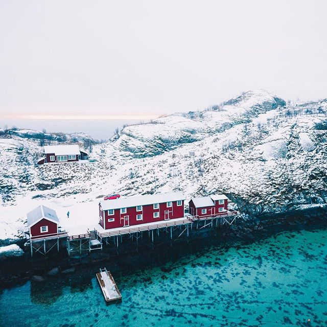 Can't get enough of these colorful little houses along the shore in the blue waters of the lofoten Islands. Anyone else been up here? It's insane.