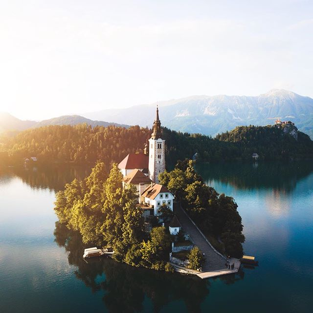 I've arrived in Slovenia, it's my first time here and I'm super stoked to spend the next week exploring this county with @adventureslovenia #adventureslovenia