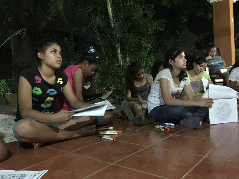 Villa Esperanza girls.JPG