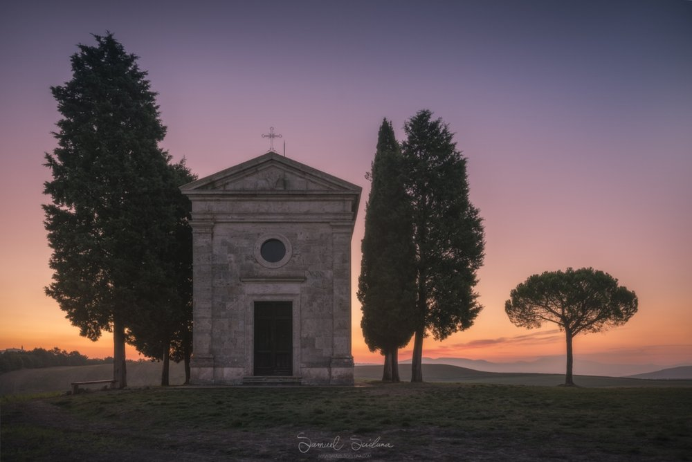 A calm morning at the most famous chapel in all of the Val D'Orcia!