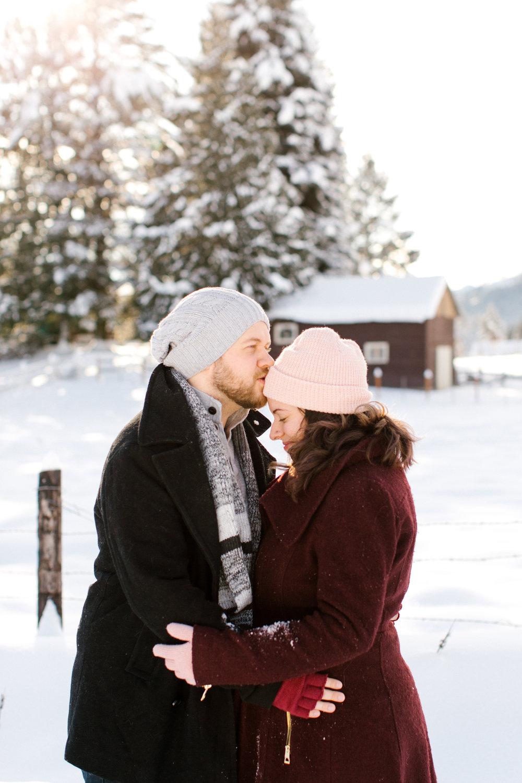 snow couple leavenworth phtos chelsea macor photography-2.jpg