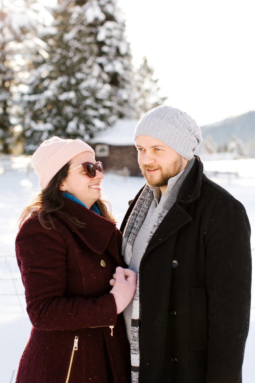 snow couple leavenworth phtos chelsea macor photography-4.jpg