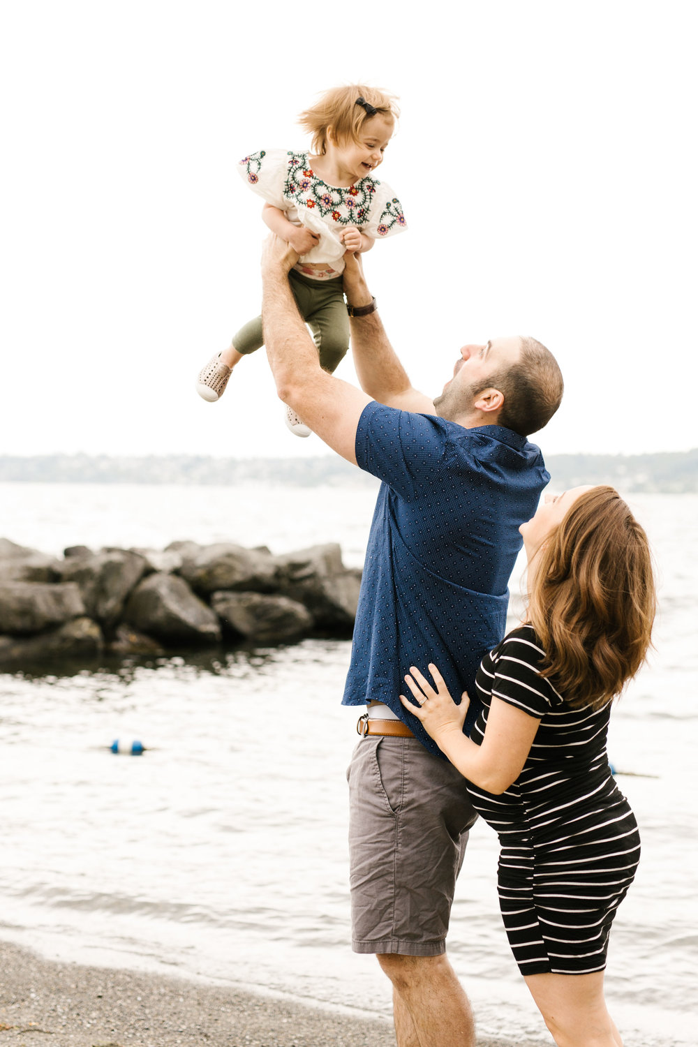 Family Photography Session on the Beach in Seattle Bellevue WA Natural Light Chelsea Macor Photography-8.jpg