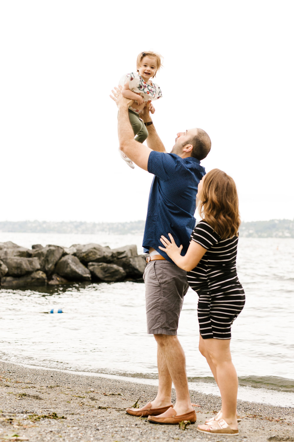 Family Photography Session on the Beach in Seattle Bellevue WA Natural Light Chelsea Macor Photography-9.jpg