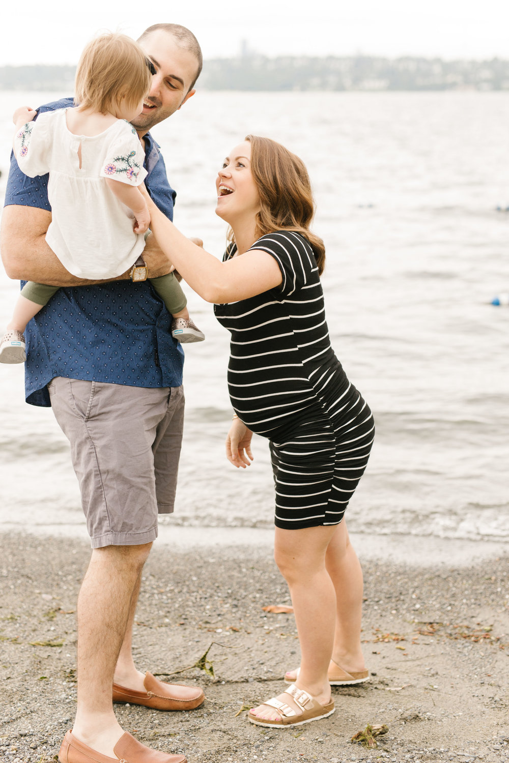 Family Photography Session on the Beach in Seattle Bellevue WA Natural Light Chelsea Macor Photography-10.jpg
