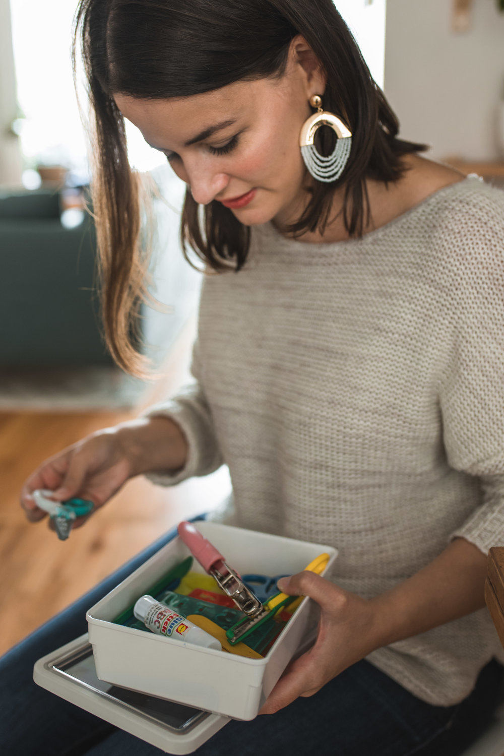 Branding photos for Lindsey of Simplifying the Everyday at her sunny seattle home spending time organizing and having fun by Chelsea Macor Photography-10.jpg