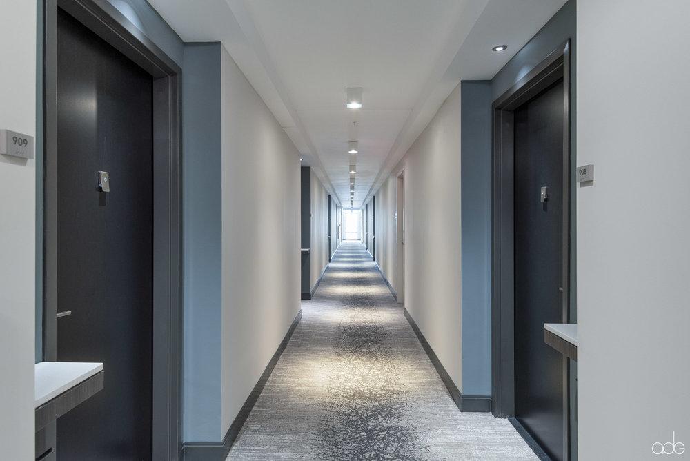 _akseizerdesigngroup_Berkshire-15_Corridors-2.jpg