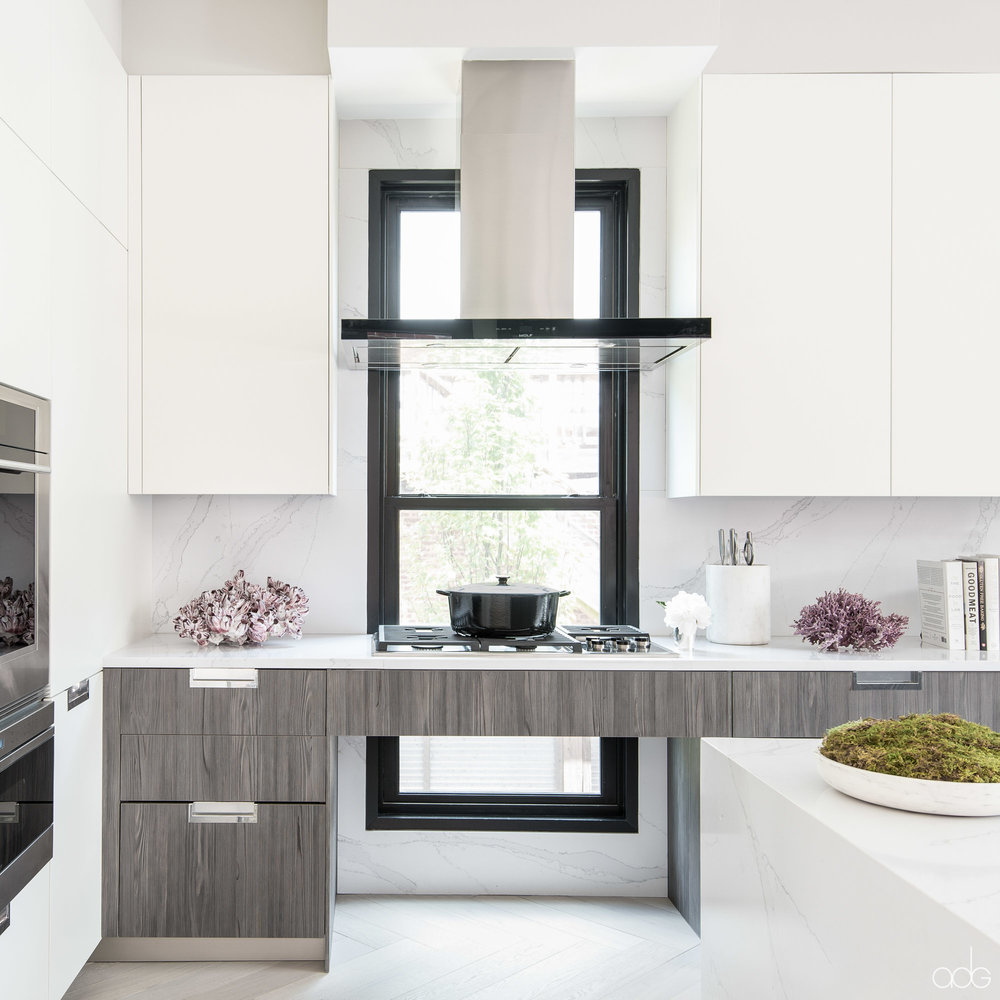 +akseizerdesigngroup_1310Q_White-Gray-Kitchen-3.jpg