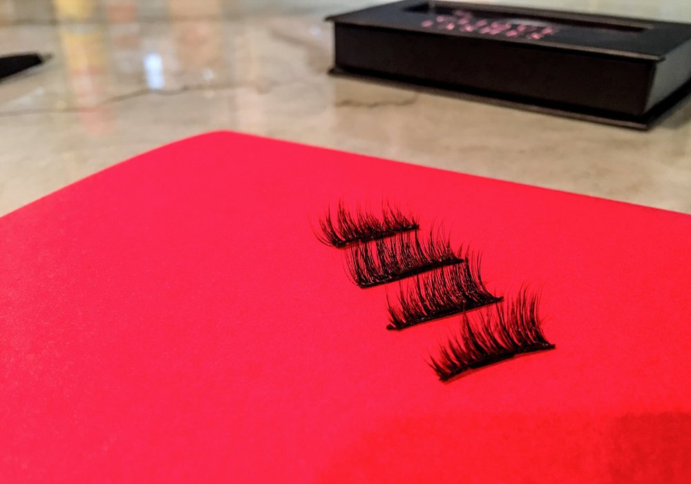 Two lashes for each eye, one for the top and one for the bottom.
