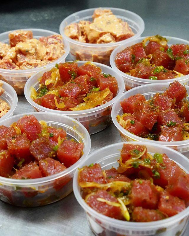 It's the weekend 👏🏼 - You know the deal... - Fresh #Poke 🤟🏽 - #AhiPoke #Hawaiianfood #Pupus #ShoyuPoke #SpicyPoke - #ISHbbq 🌴