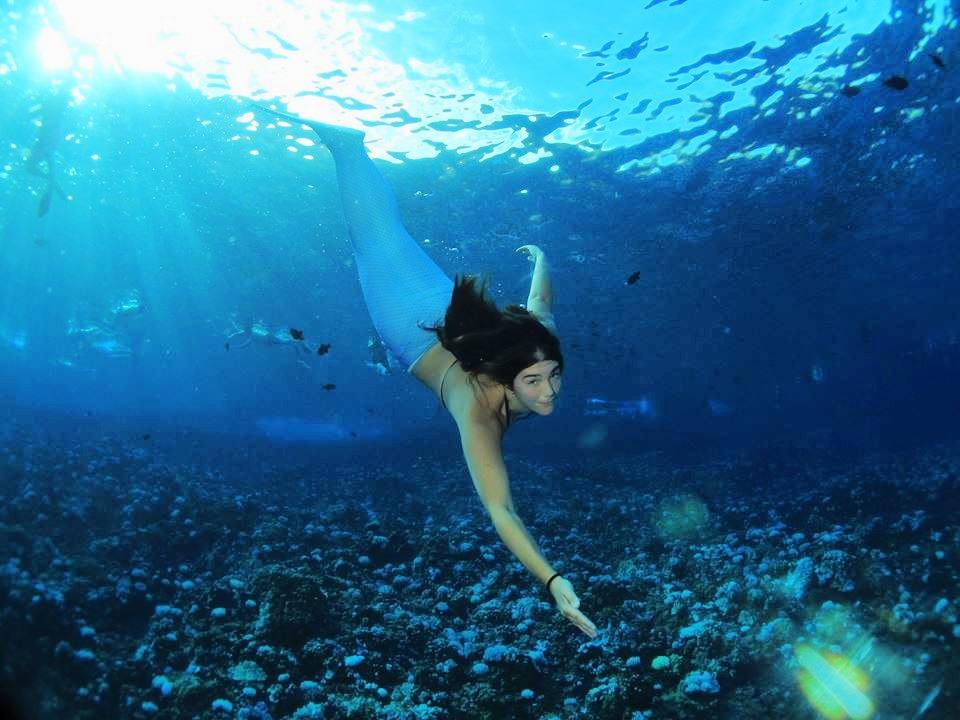 Mermaid Lila freediving Molokini Crater in Maui 2015