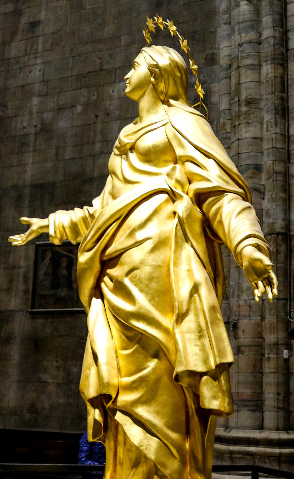 Duomo statue-wondrous abyss (1 of 1).jpg