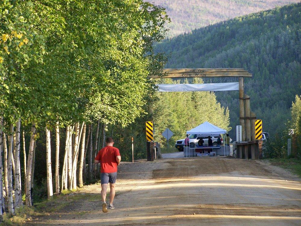 runner towards arch.jpg