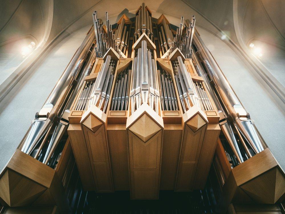 pipe organ.jpg