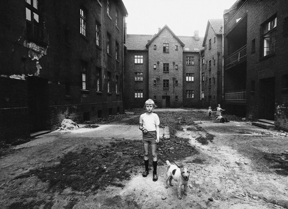 Michał Cała,  A boy with a dog,  1978