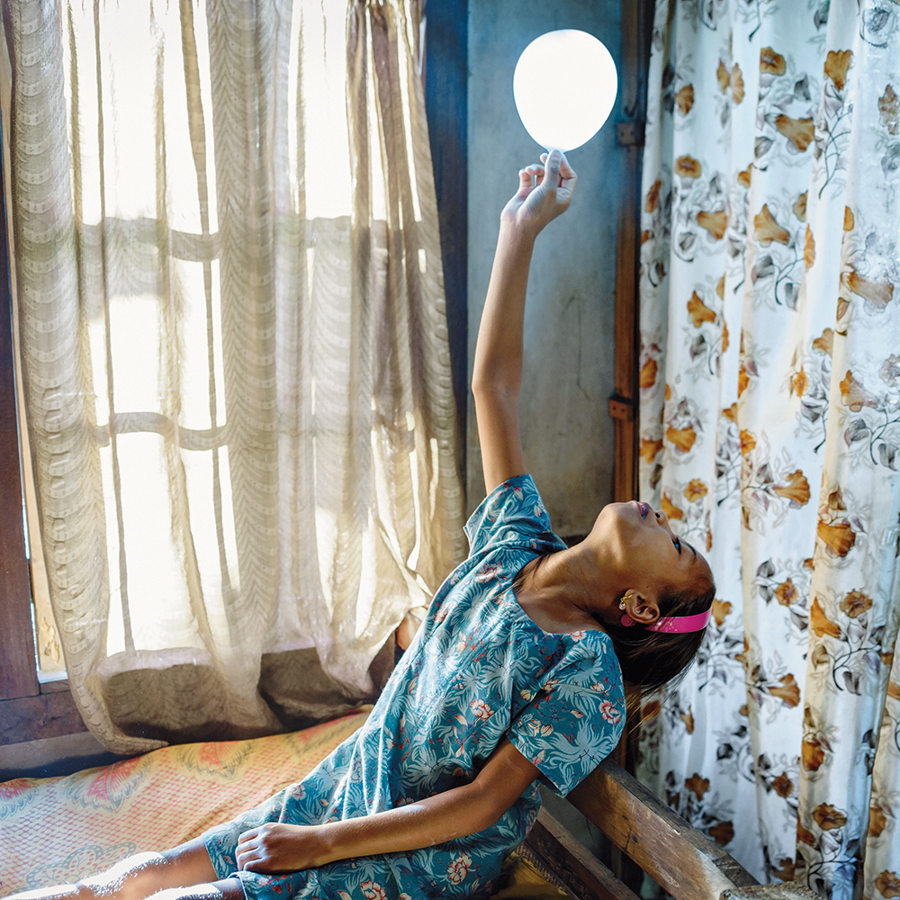 Karolin Klüppel,  Phida with balloon,  2013
