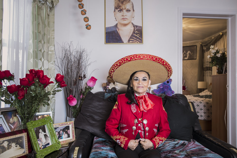 Yolanda Leticia is a mariachi singer from Veracruz, México, and coordinator and teacher of the Mariachi Academy for children in New York. In her house in Jamaica, Queens, she has a studio where she rehearses her singing. Yolanda is considered the Queen of Mariachi in New York, appearing in various scenarios around the United States singing the vernacular music of México.