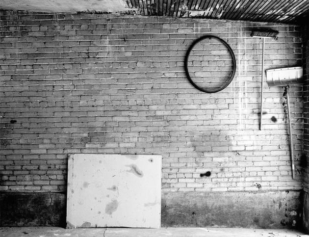 5123__630x500_lkoch17-garage-int-1982-tire-shovel.jpg