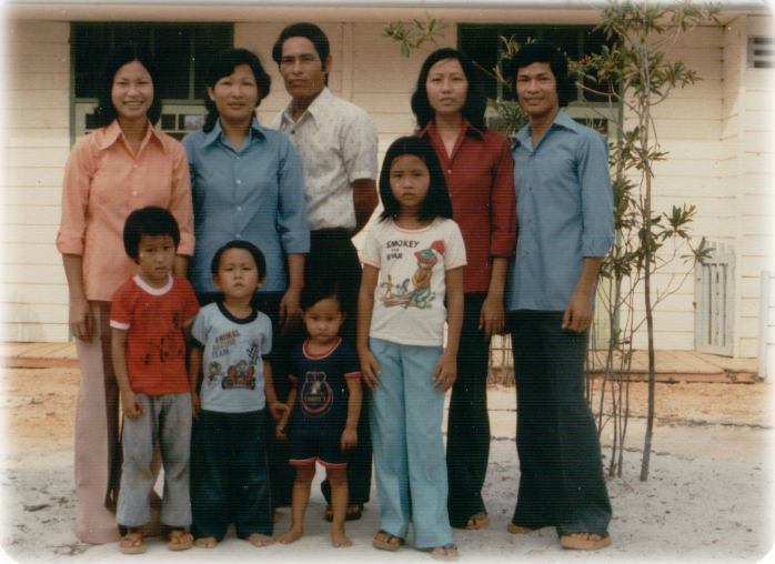 HuyfamilyatIndonesiaRefugeeCamp.jpg