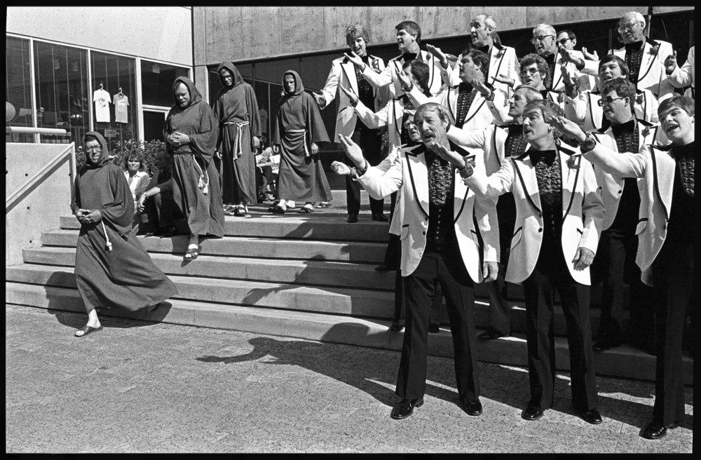 Barbershop singers 1983.jpg