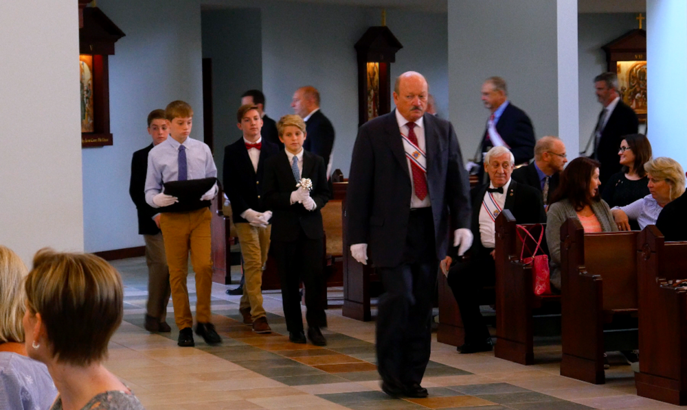 SK Tony Martin leading procession of Silver Rose.png