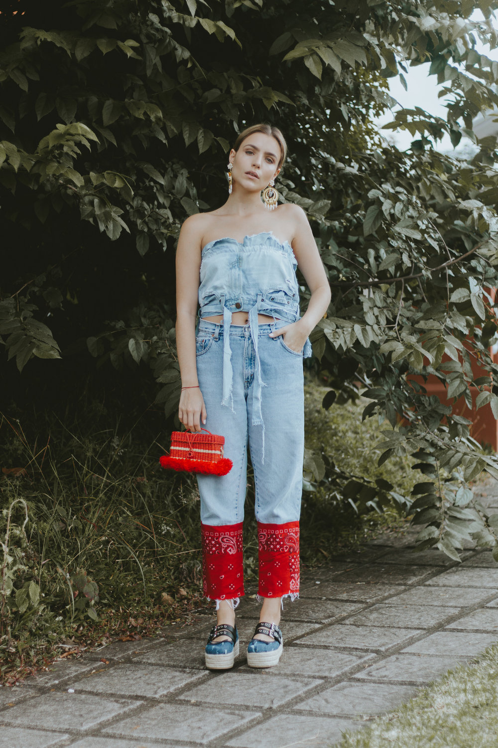 Andrea Kader tube top  Levi's reworked denim  Mercedes Salazar earrings via Corazon de Piña