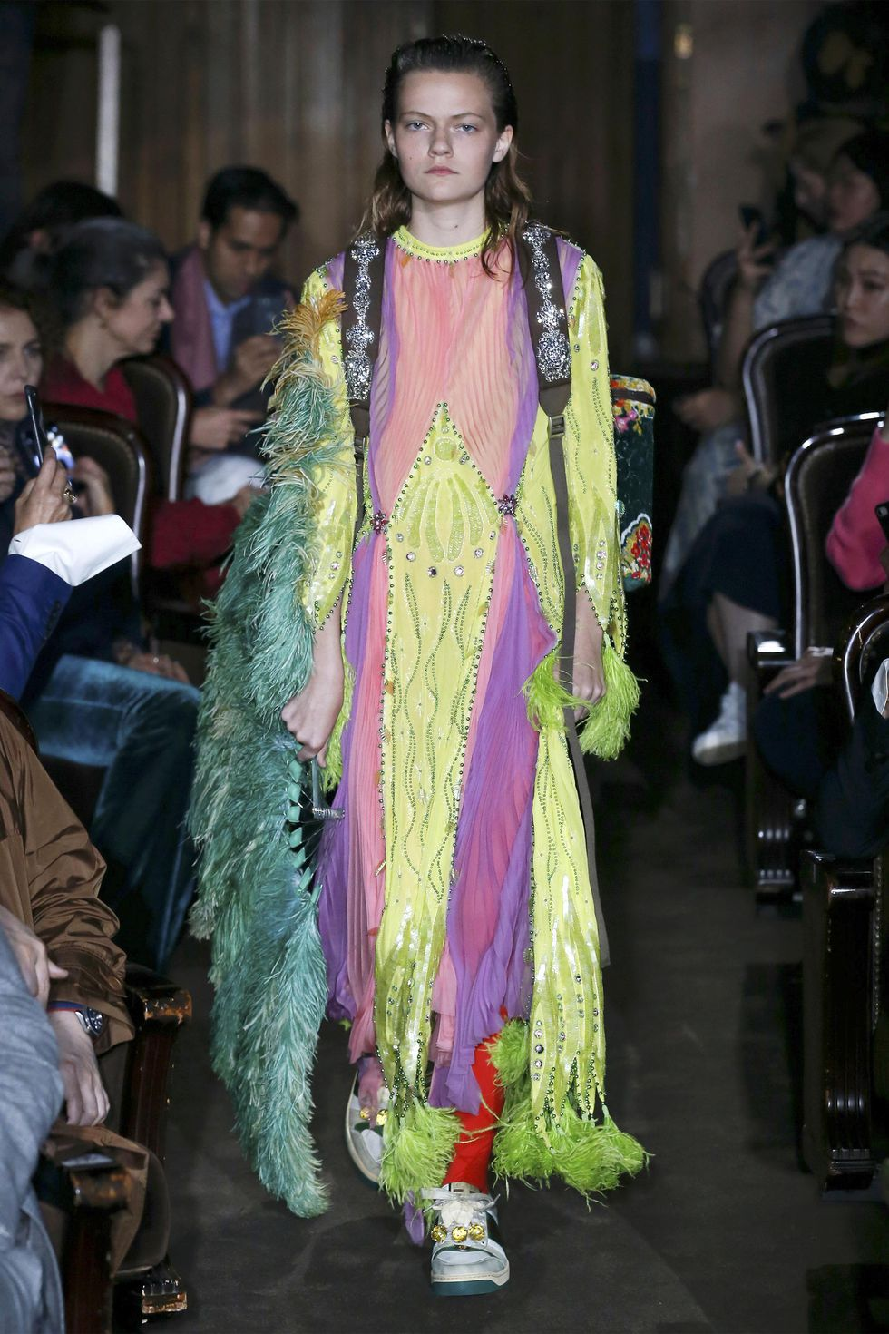 hbz-ss2019-trends-birds-of-a-feather-02-gucci-po-rs19-0024-1539195460.jpg