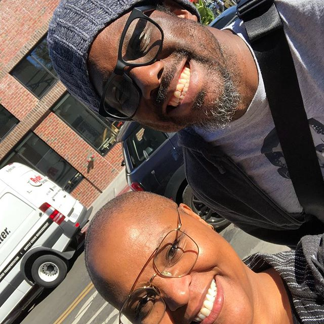 Ran into my neighbor @iemmys winner @wkamaubell on the mean streets of Oakland! #cheflife #comedy #oakland