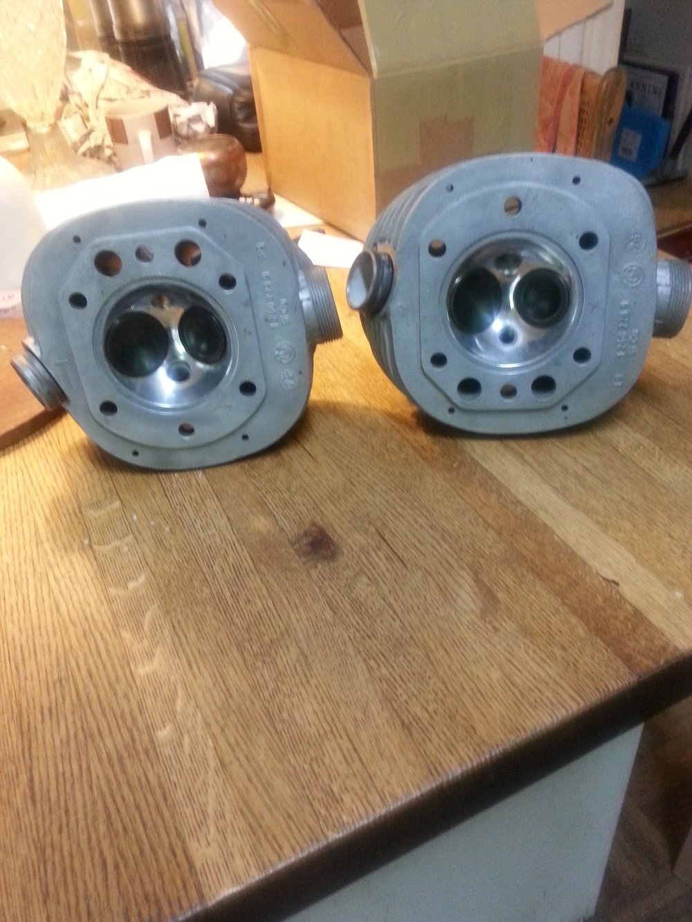 BMW r /5 heads ready for race duty
