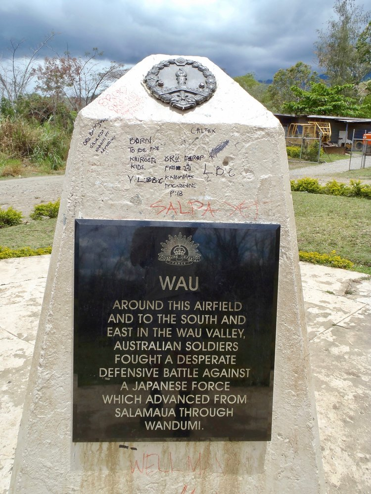 The memorial in the centre of Wau.