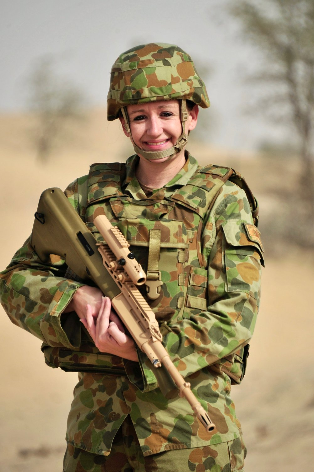 PIC 15    2012-13 – AL MINHAD AIR BASE (AMAB) – On the IED range – Steyr in hand (these photos were taken for a newspaper article back in Oz.jpg
