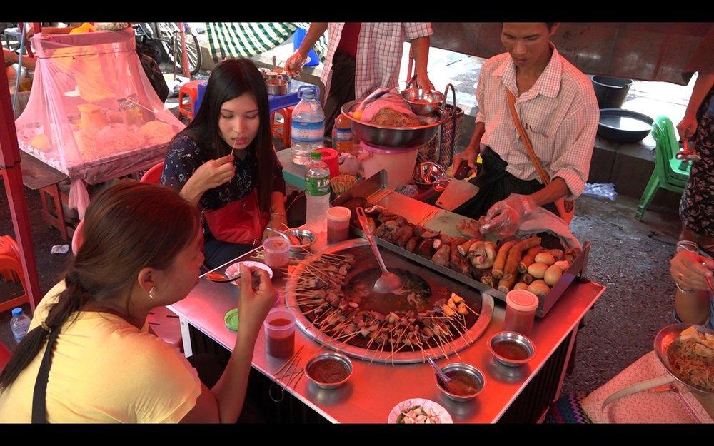 Copy of Yangon evening street food tour: Pork sticks