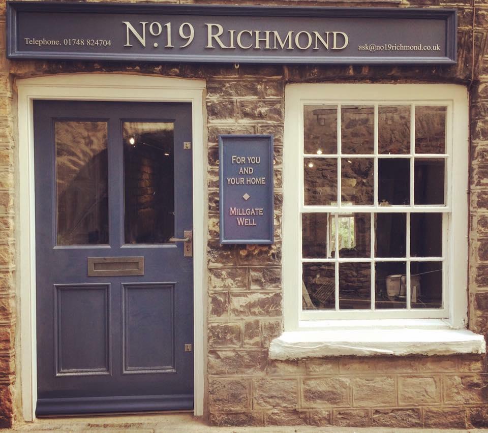 NO 19 Shop Frontage