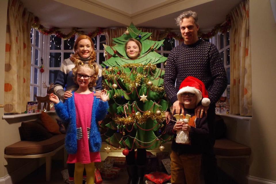 Christmas Tree Cast