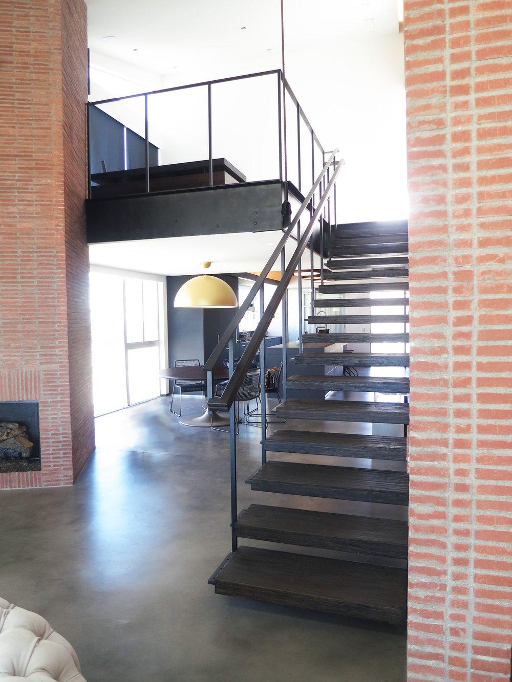 03-stairs1.jpg