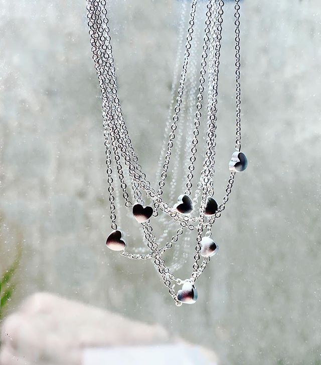 H E A R T S !✨ Simple heart necklaces, now in silver! Get them while they last this weekend! Link in bio for more information and $5 tickets to the event!🖤 _____________________ #shopsmall #handmadejewelery #electroforming #witchywoman #crystaljewelry #love #bossbabe #sandiego #sandiegomade  #minimalist #minimalistjewelry #crystals #shoplocal #moon #electroforming #electroform #electroformedjewelry #necklace #mothersday #mothersdaygifts #hearts #silver